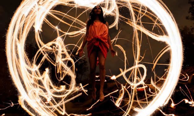 Creating Light Painting Photographs using Photoshop