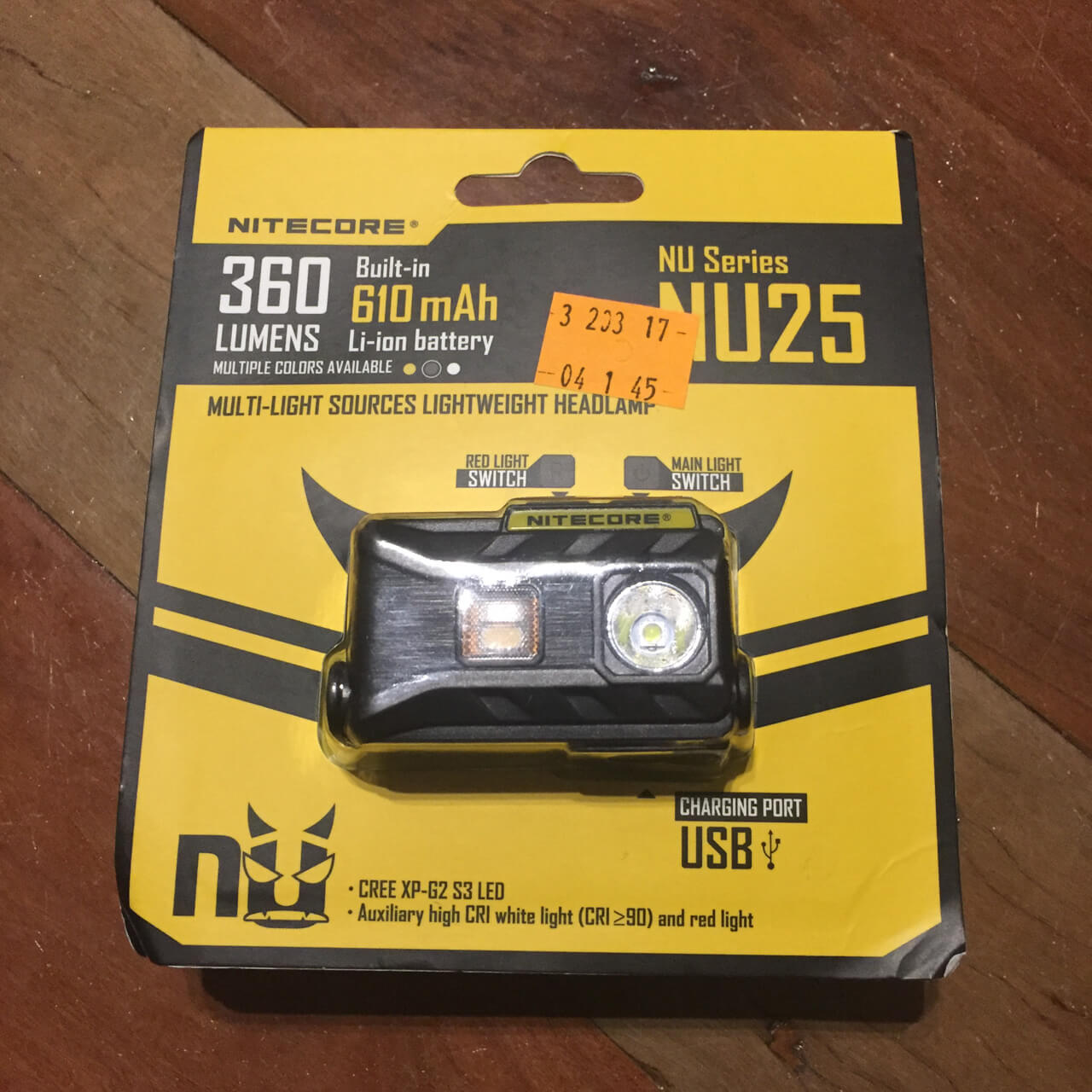 Nitecore NU25 Packaging